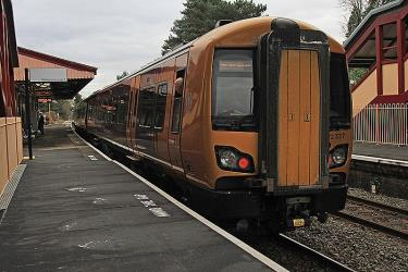 Train at Henley in Arden